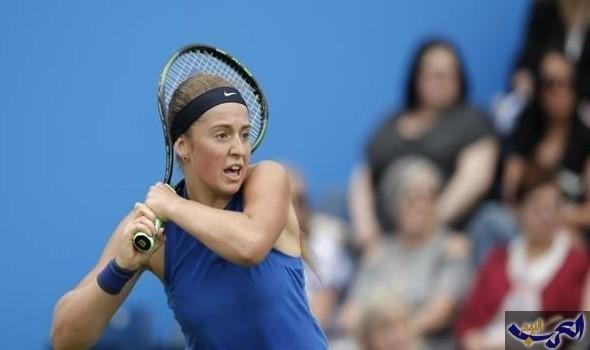 أوستابنكو تتفوق على بليسكوفا في البطولة الختامية لكرة التنس