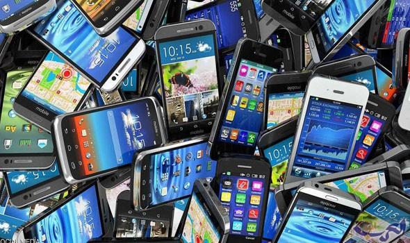 """5 """"خرافات"""" يصدقها كثيرون عن الهواتف الذكية"""