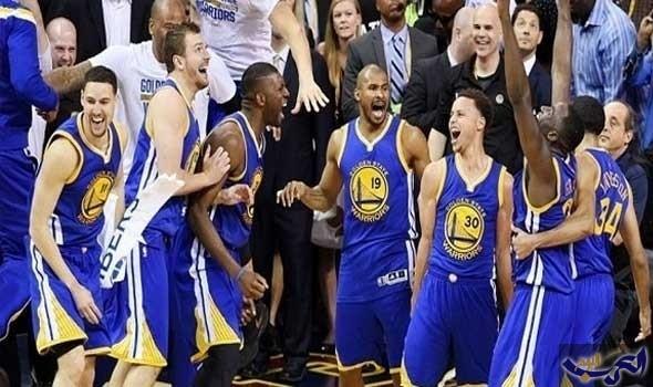 """فريق """"واريورز"""" يواصل انتصاراته في دوري السلة الأميركي"""
