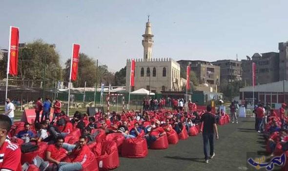 مصريون يشجعون مانشستر يونايتد ويتركون نجم ليفربول خلال لقاء السبت