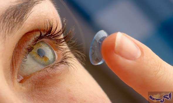 """FDA"" توافق على أول عدسة لاصقة تحمي العين من الأشعة"