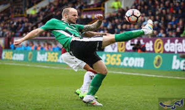 إيقاف مهاجم إنجليزي عن ممارسة رياضة كرة القدم لمدة 6 سنوات